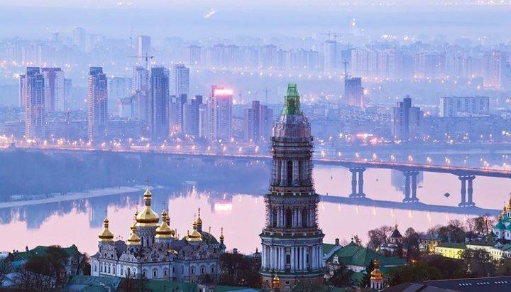 Власть Киева запретила проводить массовые богослужения до конца марта