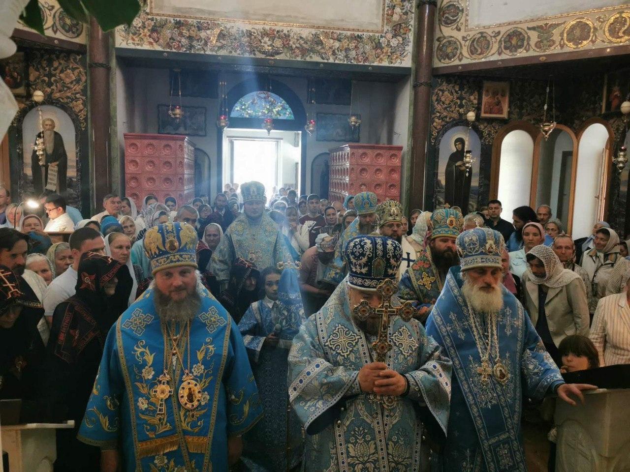 Вікарний єпископ Сергій взяв участь у престольному святі Ризоположенського чоловічого монастиря, що на Київщині