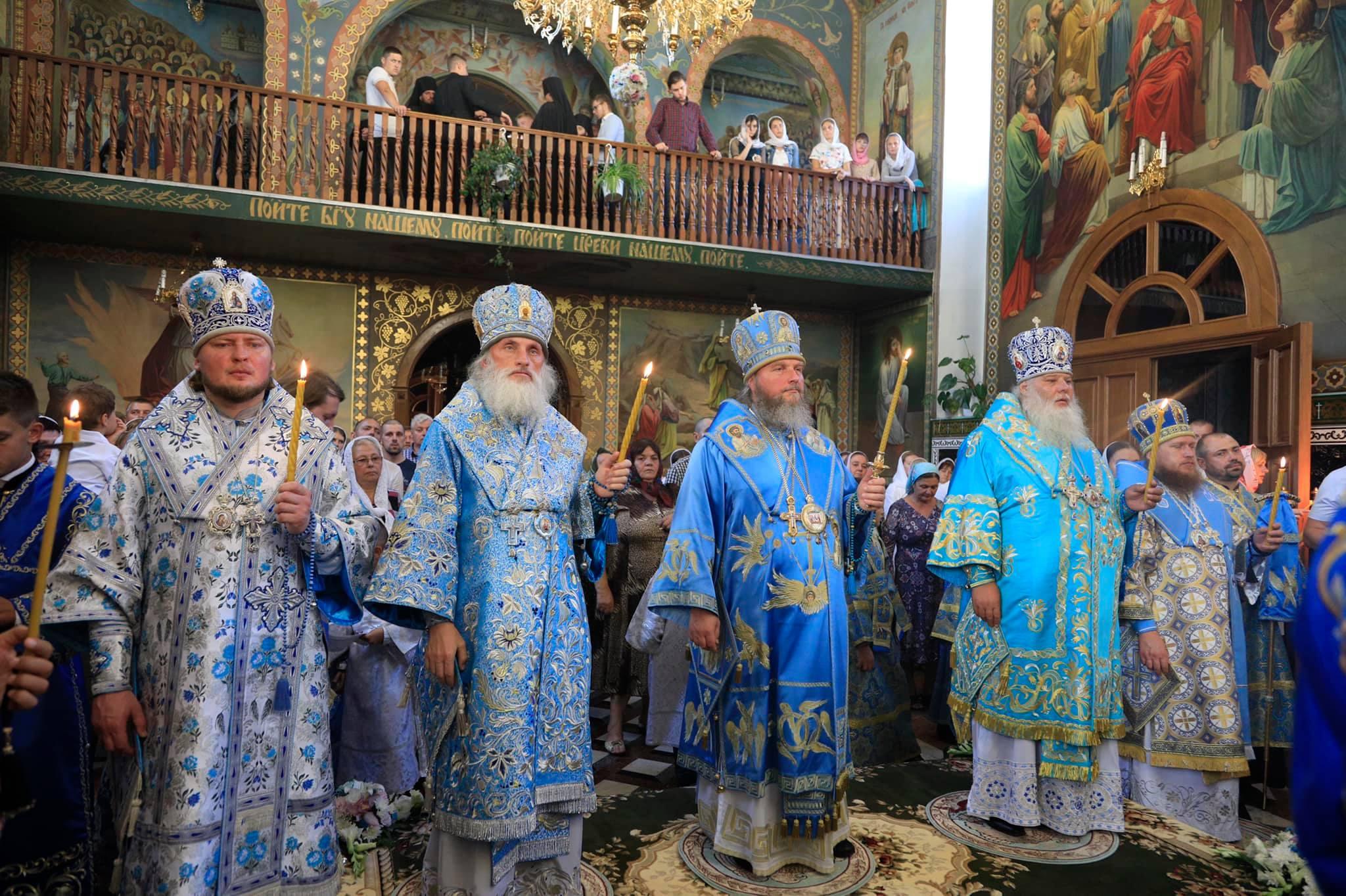 Преосвященний Сергій, єпископ Ладижинський, вікарій Тульчинської єпархії взяв участь у святкових богослужіннях в Кулівецькому Свято-Успенському чоловічому монастирі