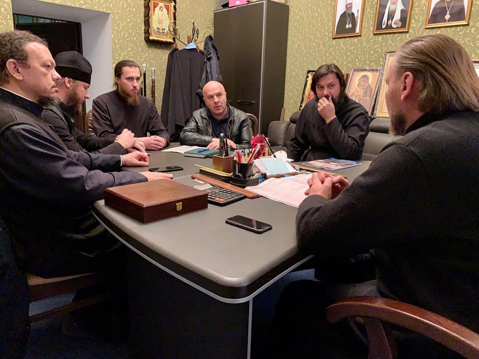 В Тульчинском епархиальном управлении состоялось совещание о состоянии дел в судах по поводу захваченных храмов и незаконной регистрации статутов религиозных общин Тульчинской епархии