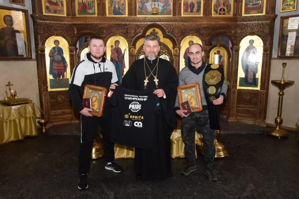 Встреча спортсменов со своим духовником прошла в Никольском храме г. Тульчин